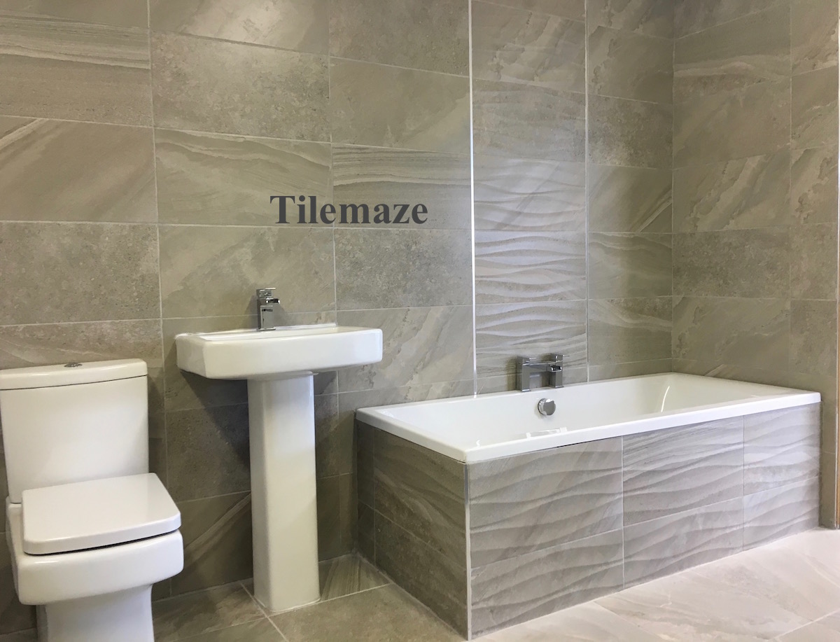 Bathroom showrooms shrewsbury - A Fully Tiled Bathroom Setting On Show In Shrewsbury