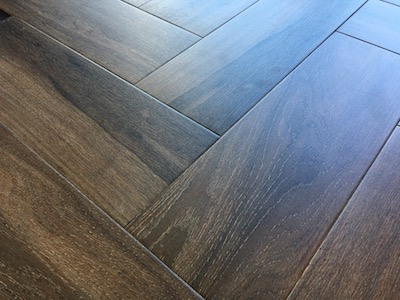 Floor Tiles That Look Like Wood Porcelain And Ceramic - Dark brown tile that looks like wood